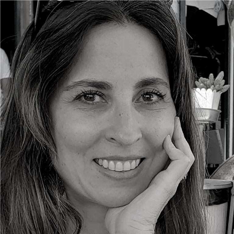 Adriana Lage