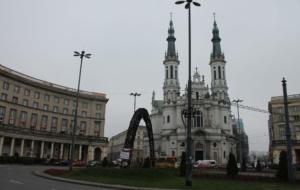 Como a Fênix, Varsóvia ressurge das cinzas