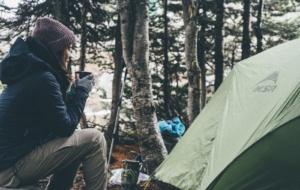 O que Você Precisa para Acampar no Frio