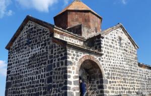 Mosteiros e Igrejas – O Mundo sagrada da Armênia